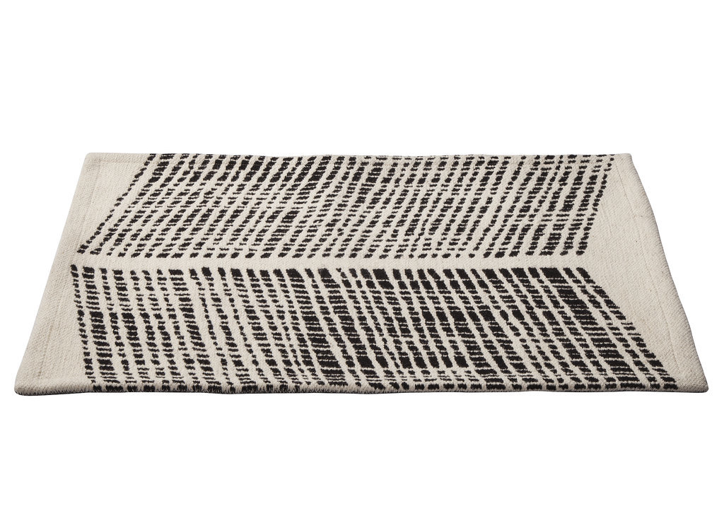 Black-ivory-chevron-rug-25-Nate Berkus Fall 2014