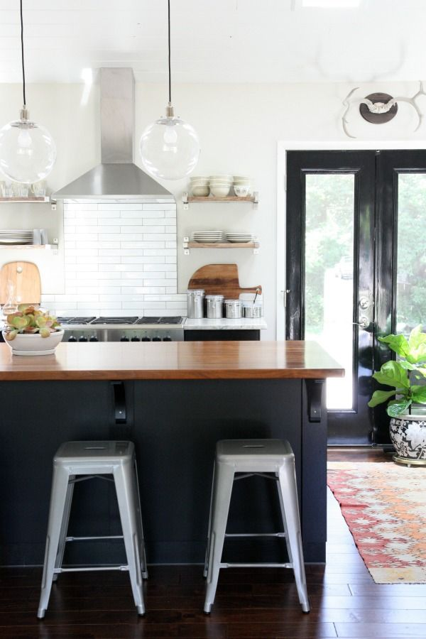 25+ Black and White Kitchens
