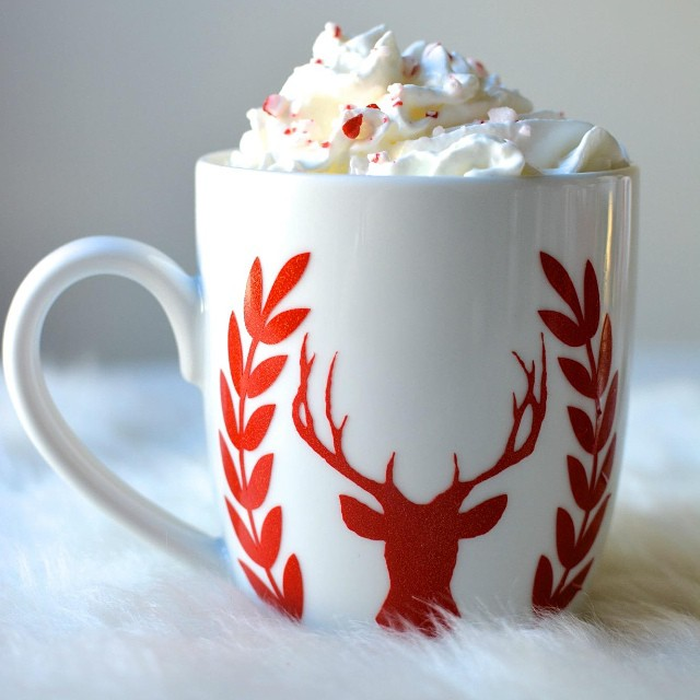 We finished up the @officialcricut #designspacestar contest yesterday! I posted tutorials on deer mugs, aprons, #acrylic trays and my recipe for peppermint hot chocolate ?. ~link in profile