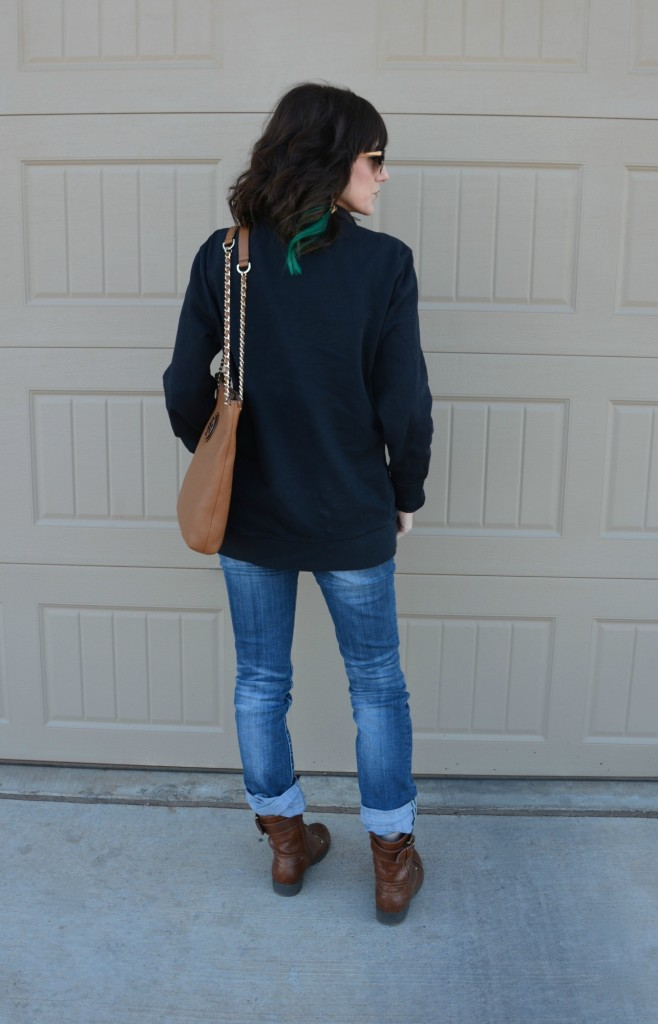 Casual Friday Link Up by Two Thirty~Five Designs, featuring #ToryBurch #KendraScott, #AmericanEagle, #DSW #Toms