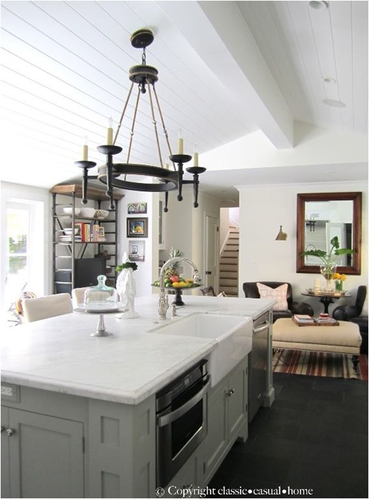 classic-casual-home-plank-ceiling