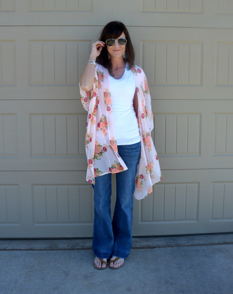 Casual Friday Link Up - Kimono's & Bell Jeans