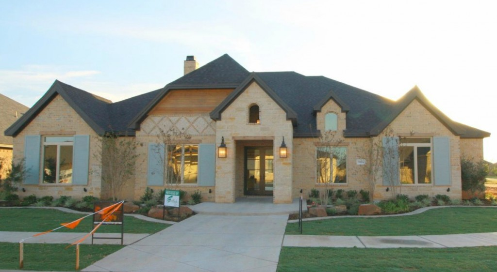 Fall Tour of Homes with Two Thirty~Five Designs, Exterior