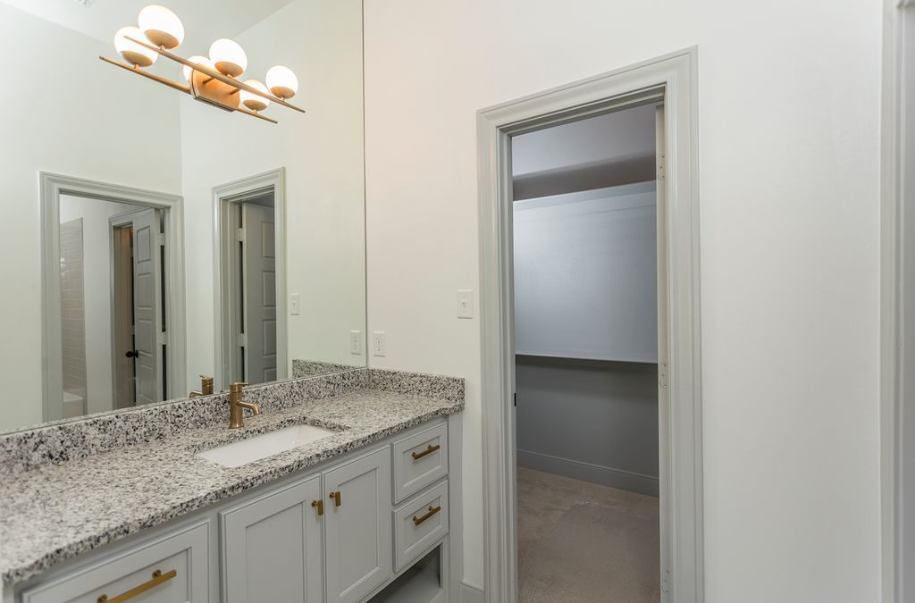 Enclave Court Home Tour, Jack and Jill Bath by Two Thirty Five Designs