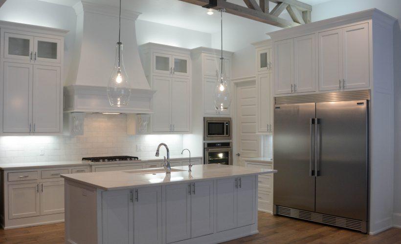 Simple White Kitchen (4 of 10)